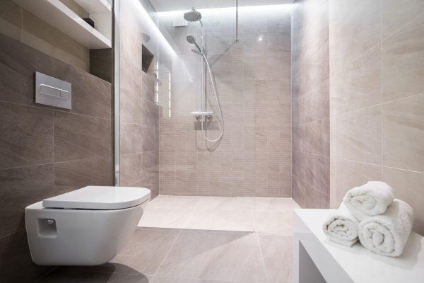 kleines bad einrichten mehr platz mit dusche zum. Black Bedroom Furniture Sets. Home Design Ideas