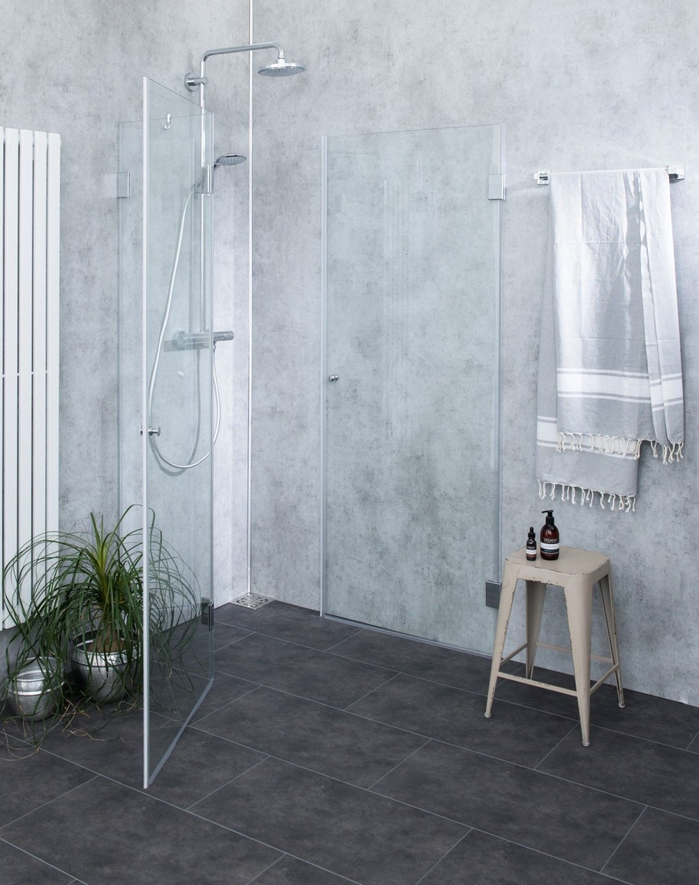 Duschkabine mit Innentüre